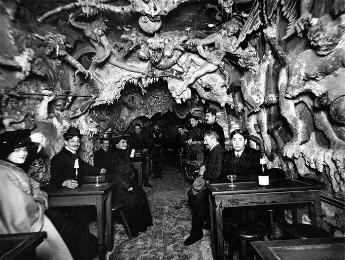 Cafe Of Hell Paris